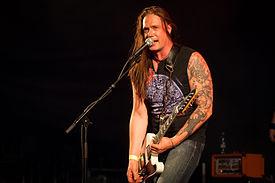 Ville Laihiala, Finlandiyalı müzisyen sentenced grubu vokalisti. tarihte bugün