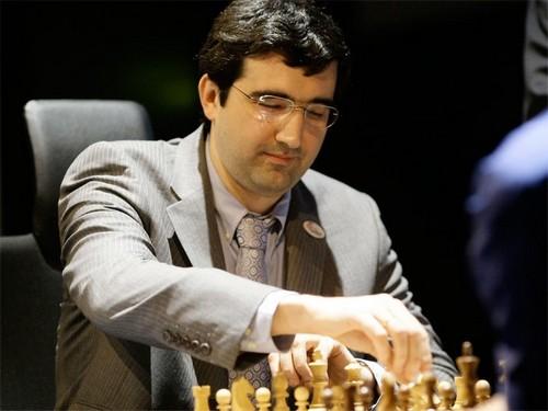 Vladimir Kramnik Doğdu