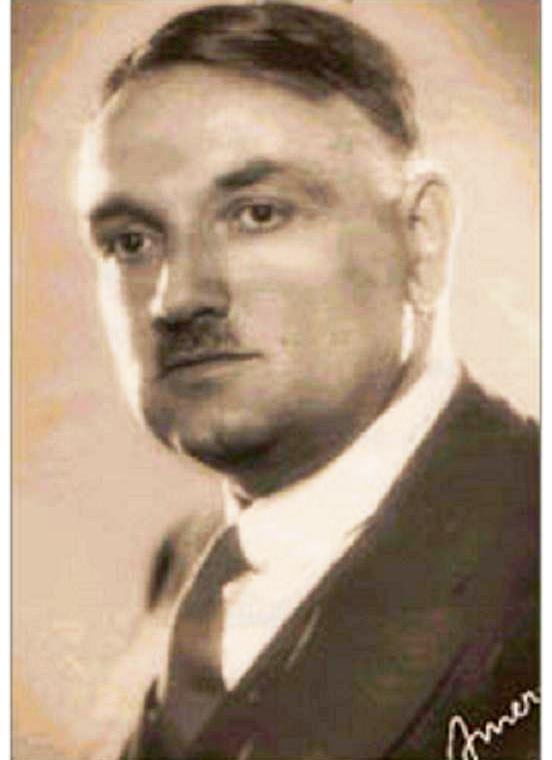 Yahya Kemal Beyatlı, edebiyatçı, şair (ÖY-1958) tarihte bugün
