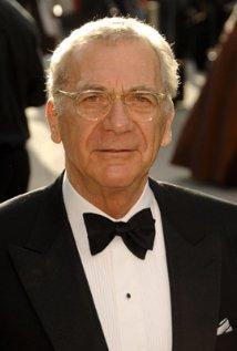 Sydney Pollack, ABD'li yönetmen, yapımcı ve oyuncu tarihte bugün