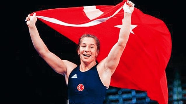 Milli Güreşçimiz, Pariste düzenlenen 2017 Dünya Güreş Şampiyonasında Altın madalya aldı.Dünya Şampiyonasında, Kadınlar güreşte ilk defa final oynadık ve Yasemin Adar Dünya Şampiyonu oldu tarihte bugün