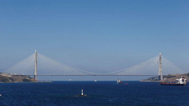 Asya ve Avrupa'yı birbirine bağlayan üçüncü köprü: Yavuz Sultan Selim köprüsü açıldı. tarihte bugün