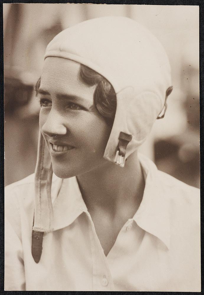 Yazar Anne Morrow Lindbergh Doğdu