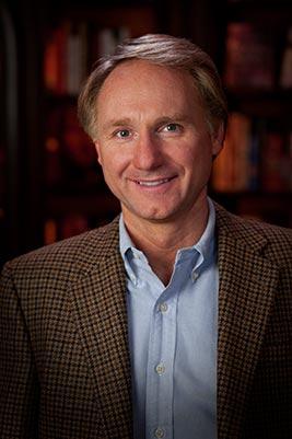 Dan Brown, ABD'li yazar tarihte bugün