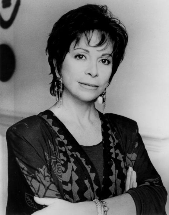 Isabel Allende, ޞilili yazar tarihte bugün