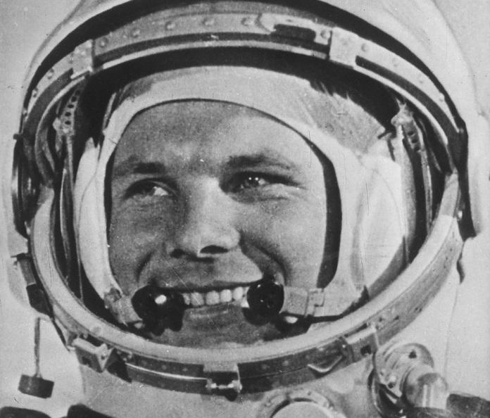 Yuri Gagarin, Sovyet kozmonot (DY-1934) tarihte bugün