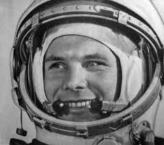 1961'de uzaya çıkan ilk insan Sovyet kozmonot Yuriy Alekseyeviç Gagarin  tarihte bugün