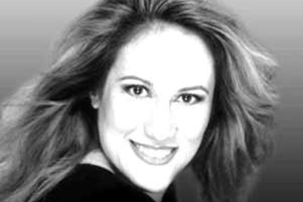Zehra Yıldız,  soprano,  beyin kanaması sonucu tarihte bugün