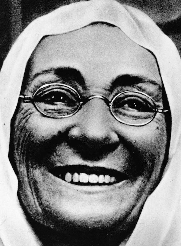 Mustafa Kemal'in annesi Zübeyde Hanım. tarihte bugün